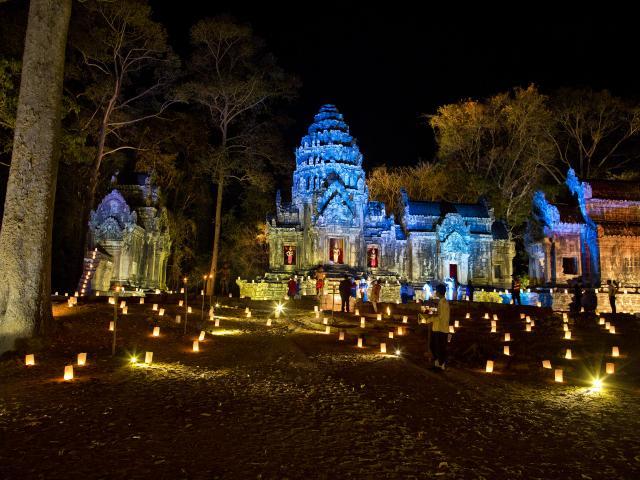 Dinner at Angkor Wat